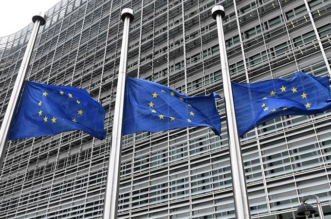 Europe Fines 5 Banks
