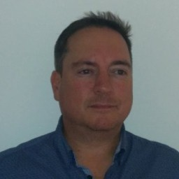 سبنسر ديفيس: مؤسس مشارك